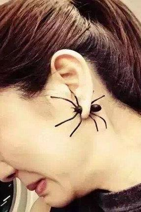 Scary halloween spider earrings